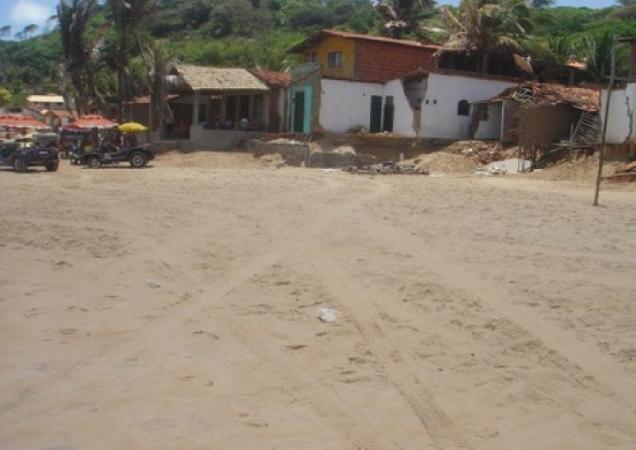 375-2o-dia-litoral-sul-praia-de-sagi-casas-que-o-mar-esta-destruindo-baia-formosa
