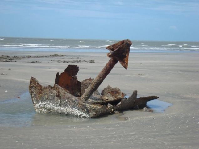 0394-3o-dia-velha-ancora-na-praia-de-tatajuba