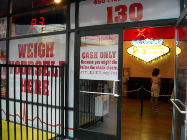 3097 10 dia Las Vegas - Fremont Street Experience (Heart Attack Grill)