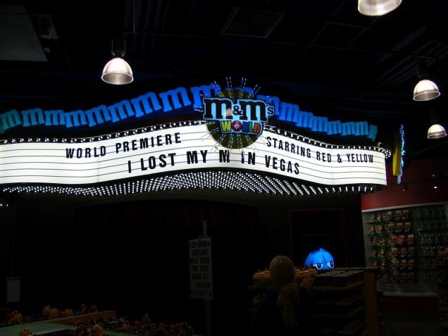 2630 9 dia Nevada Las Vegas Strip - M&M Store