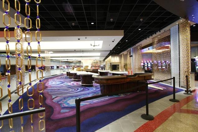 linq_hotel_lobby_bar2