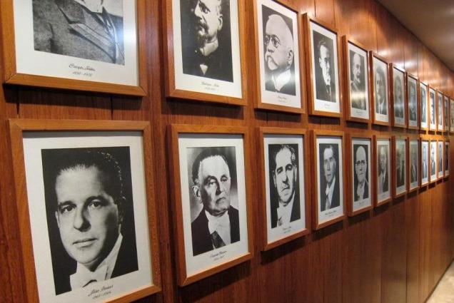 27a-palacio-do-congresso-nacional-mural-dos-presidentes