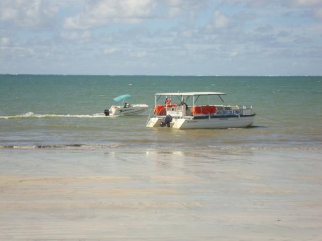87-2o-dia-praia-de-maragogi-barco-maragolfinho